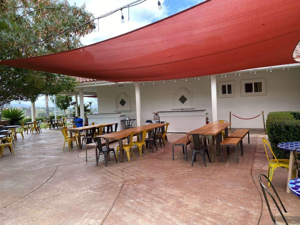 Masía de la Vinya outdoor area
