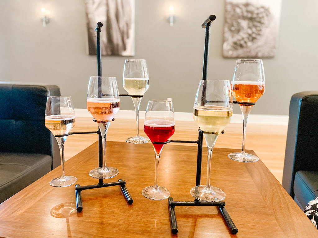 Illinois Sparkling Wine + August Hill Winery affordable sparkling wine options