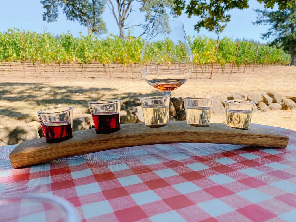 Eola Hills Wine Tasting