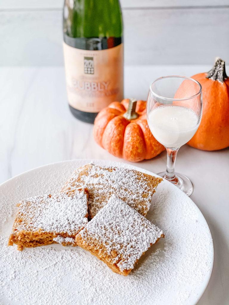 Bubbly pumpkin pancakes