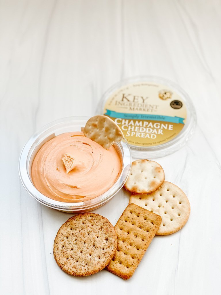 Champagne cheddar cheese spread with crackers