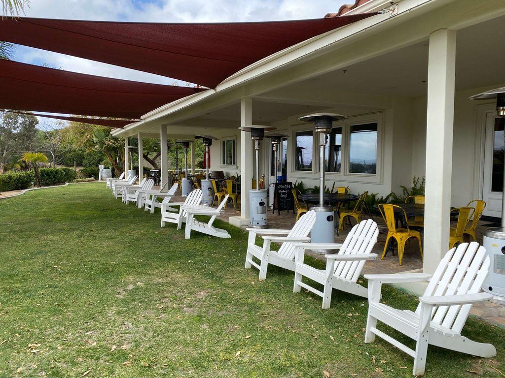 Masía de la Vinya outdoor space
