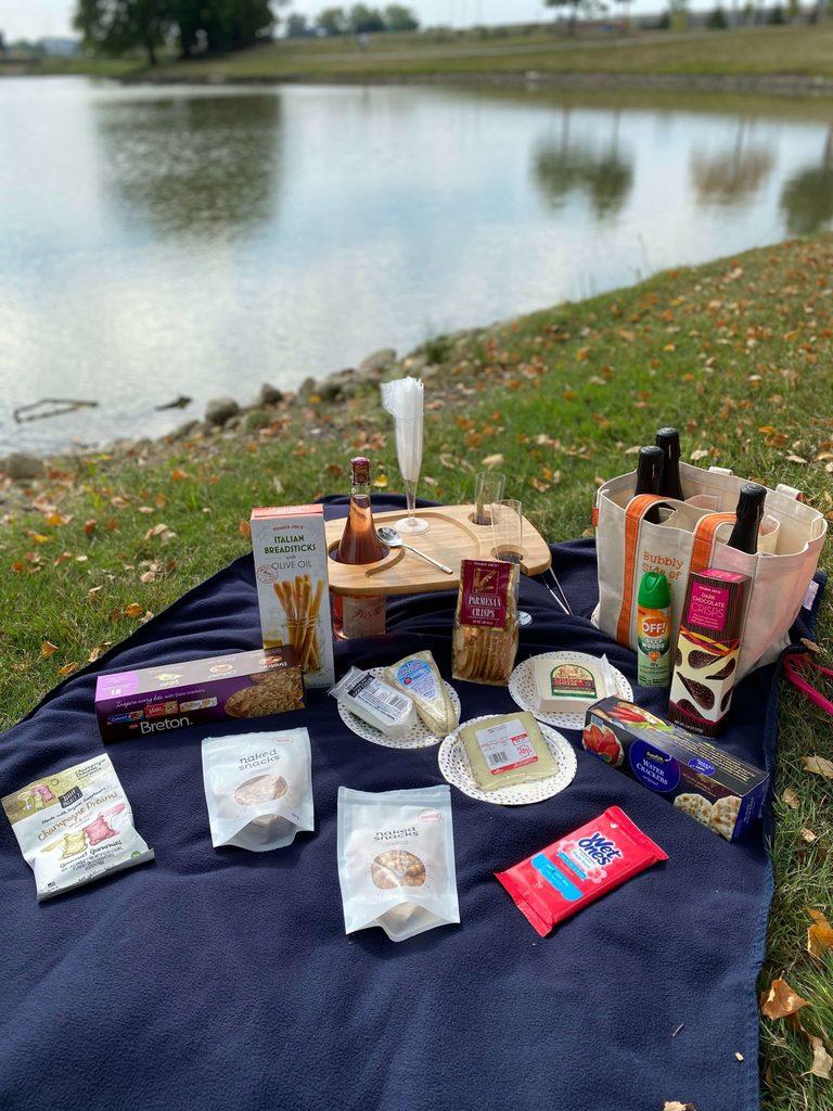 The perfect bubbly picnic.