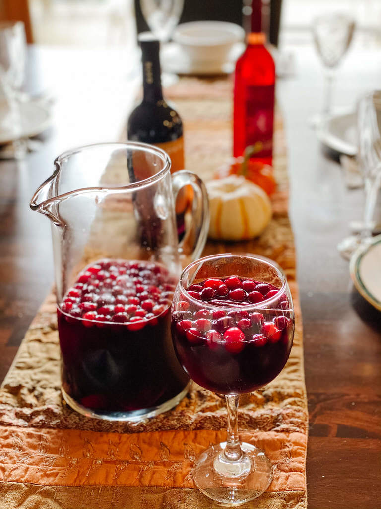 The best bubbly sangria for fall!