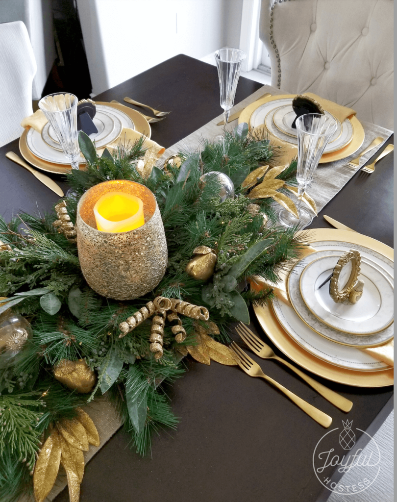 Pop the Champagne Christmas table idea