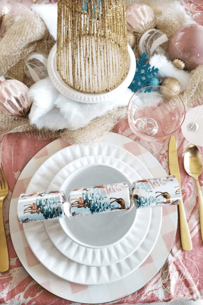 The holidays may look a little different this year, but that doesn't mean our Christmas table needs to look any different than if we were hosting a big holiday dinner. And you know Bubbly Side of Life is here for all the fun, festive bubbly cocktails and food, so we turned to Mara from Joyful Hostess to help with the fun, festive Christmas table ideas that will be sure to add a bit more bubbly to your holiday! Check out her Christmas decor ideas here!