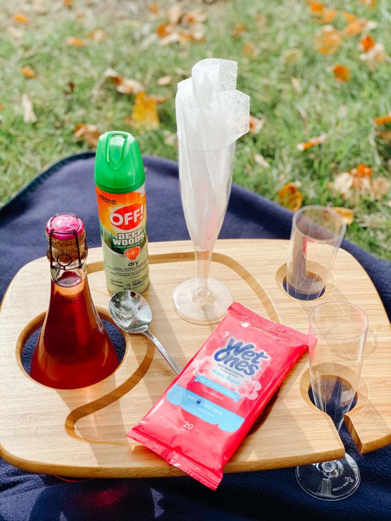 Simple picnic essentials.