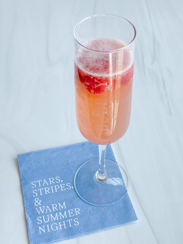 A very refreshing bubbly lemonade drink perfect for any summer day.